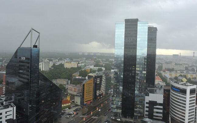 Suvised pilved Tallinna kohal.