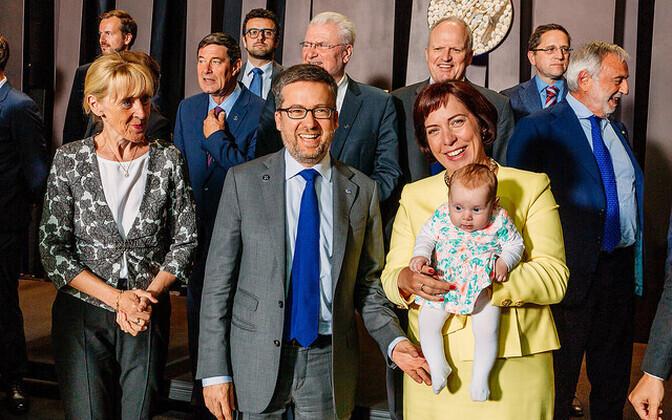 Teadusministrid eesistumise perepildiks valmistumas.