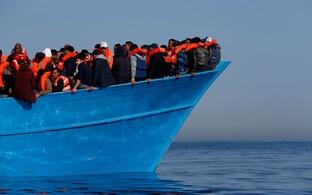 Migrandid Liibüa ranniku lähedal Vahemerel.