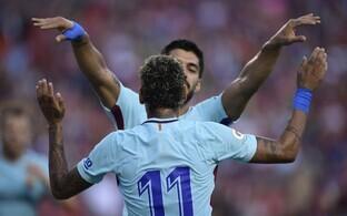 Neymar ja Luis Suarez väravat tähistamas.