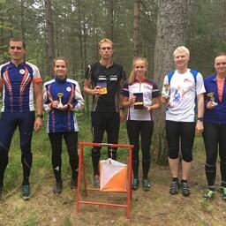 Kloostrimetsa etapi esikolmikud (vasakult): Lauri Tammemäe, Marie Tammemäe, Sander Vaher, Teele Telgma, Marek Karm ja Piibe Tammemäe.