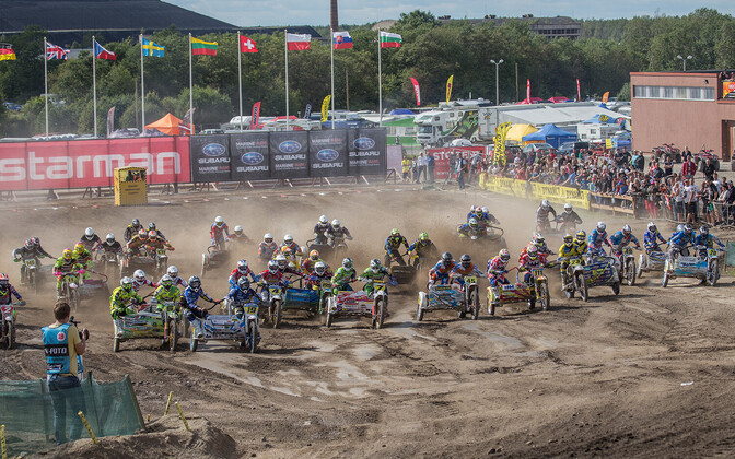 Kiviõli külgkorvide motokrossi MM-etapi start eelmisel aastal