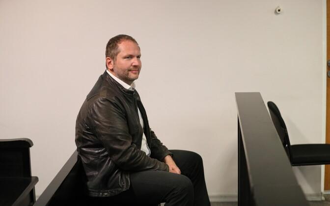 Anders Tsahkna kolmapäeval kohtu ees.