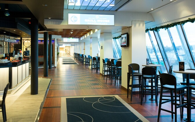 Passengers aboard MS Silja Europa allegedly had to wait in long lines to eat on the Helsinki-Riga-Helsinki test run earlier this week.