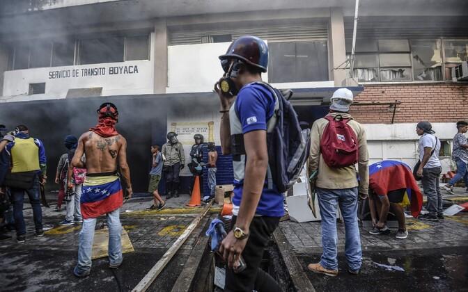 Valitsusevastased meeleavaldajad Caracases 30. juulil.