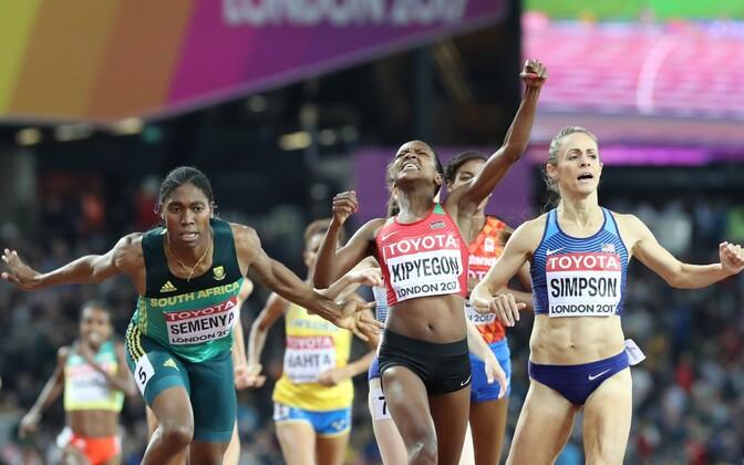 MM-kulla võitis Faith Kipyegon, hõbedale jooksis end Jennifer Simpson ja pronksi sai lõpuheitluses Caster Semenya.