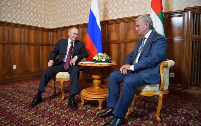 Vladimir Putin ja Raul Hadžimba.