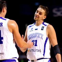 Рейнар Халлик (справа) завершает карьеру в сборной.