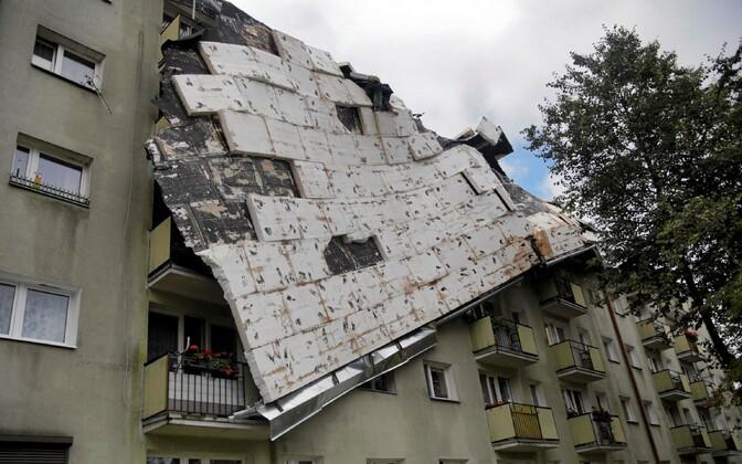 Tormis purunenud katus Poolas Bydgiszczis.