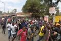 Nairobis Kibera slummis jooksid meeleavaldajad opositsioonijuht Raila Odingat kuulama.