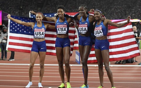 USA naiste 4x400 meetri teatenelik