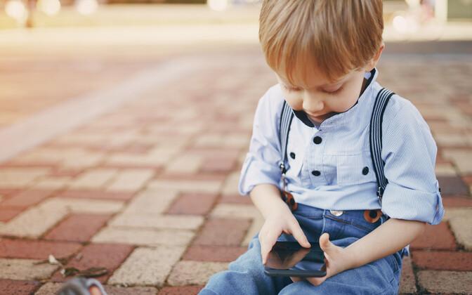 Lastele tasub õpetada, et kui ta näeb midagi, mis tekitab temas halva tunde või mida ta ei mõista, on tegelikult tema enda käes voli panna see video kinni.