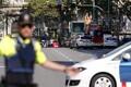 Barcelonas sõitis kaubik rahva sekka.