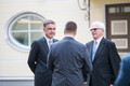 Peaminister Jüri Ratas avas ekspeaministritega Stenbocki majas fotoseina