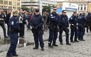 Soome politsei Turus valvamas.