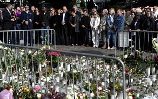 Turu terrorirünnaku ohvrite mälestusüritus.
