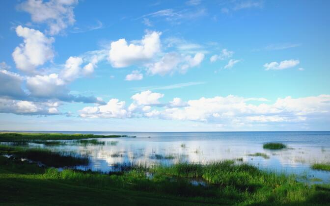 Lake Peipus as seen from Mustvee, Jõgeva County, looking east toward Russia. June 22, 2017.