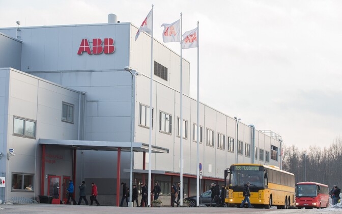Employee shuttles in front of the ABB building in Jüri, Harju County.