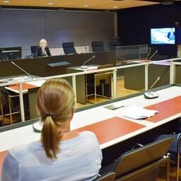 Terrorirünnakuga seotud istung Turu kohtumajas, haiglas viibiv peamine kahtlusalune osales istungil videosilla vahendusel.
