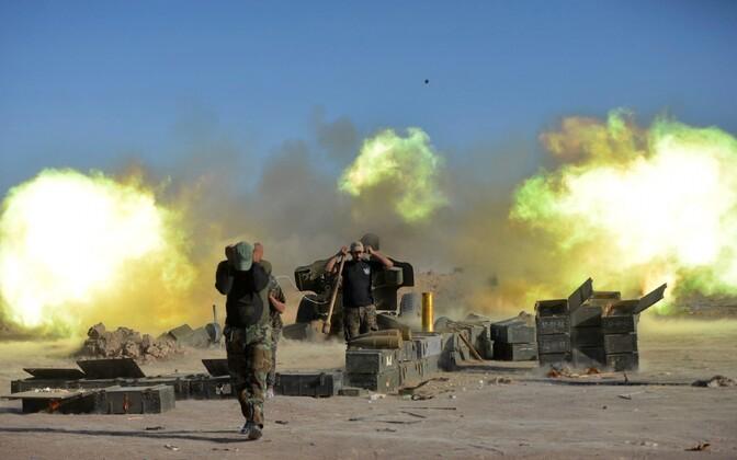 Iraagi valitsusväed ja šiiitide vabatahtlikud üksused Tal Afari linna lähistel 20. ja 21. augustil.