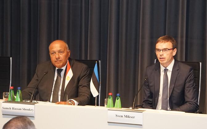 Министры иностранных дел Египта и Эстонии Самех Шукри (слева) и Свен Миксер.