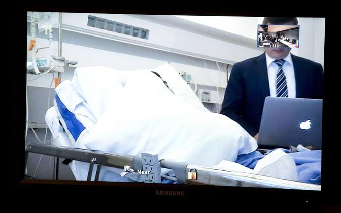 Peamine kahtlustatav peitis teisipäeval haiglast videosilla abil kohtuga suheldes oma nägu.
