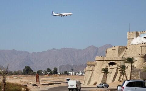 Venemaa reisilennuk 2015. aastal Sharm el-Sheikhi lennuväljale lähenemas.