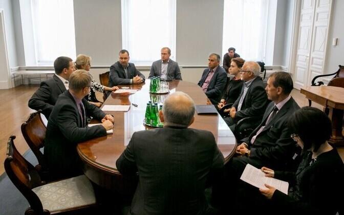 Prime Minister Jüri Ratas (Center) met with Ida-Viru County entrepreneurs on Monday. Sept. 4, 2017.