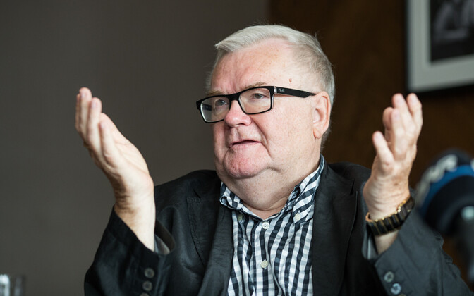 Edgar Savisaar was given immunity from being expelled from the Center Party because he is its founding member,