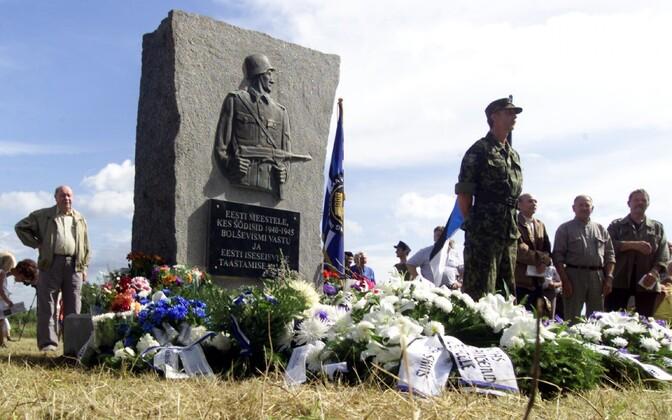 Lihula monumendi avamine 2004. aastal.