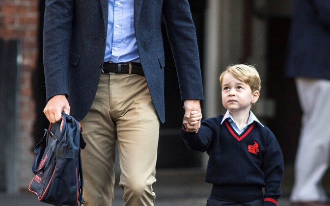 Prints George'i esimene koolipäev