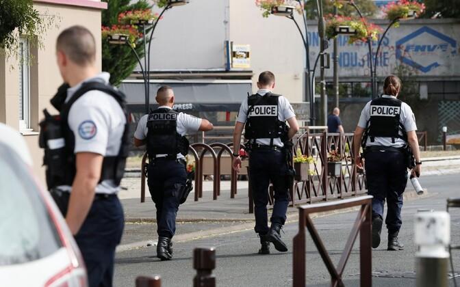 Prantsuse politsei.