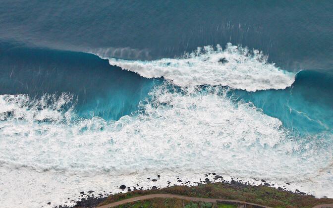 13-метровая волна обрушилась наостров Кадьяк близ Аляски, докладывают свидетели