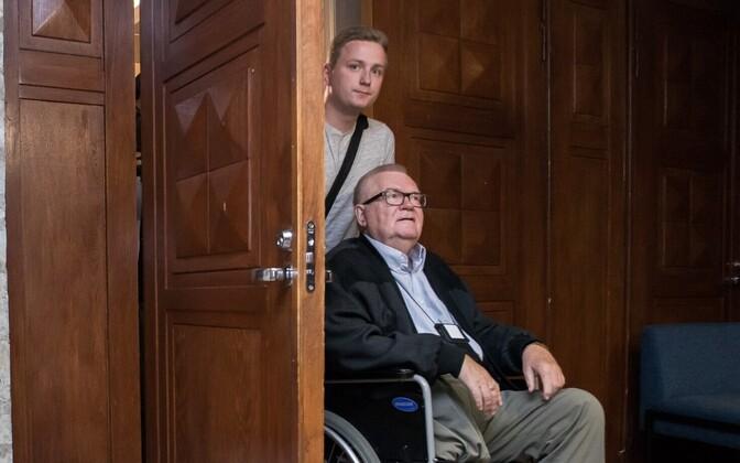 Эдгар Сависаар и его помощник Андрес-Мариус Розенблатт.