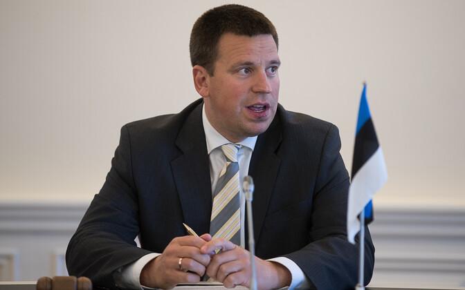 Prime Minister Jüri Ratas (Center).
