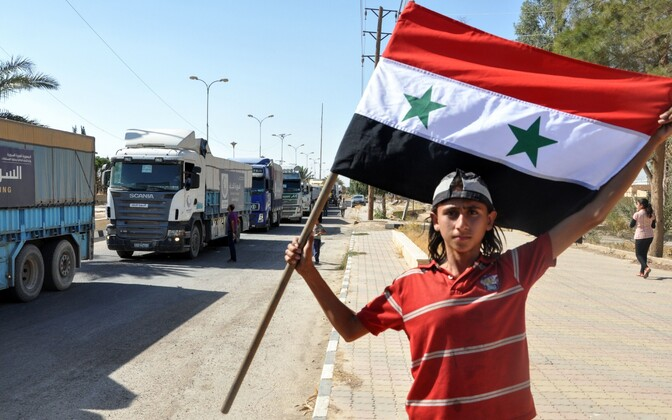 В Дейр-эз-Зор начали прибывать конвои с продовольствием после прорыва трехлетней блокады.