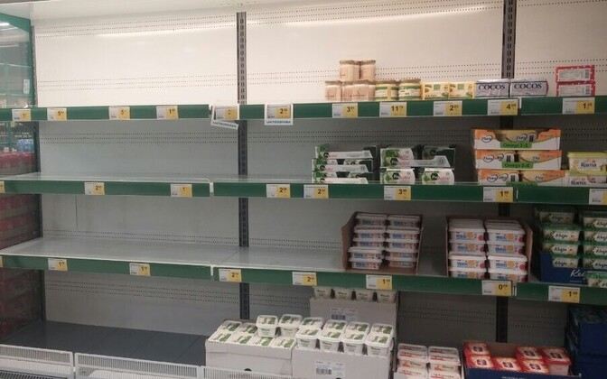 Amid butter shortages, some supermarket butter shelves have ended up completely empty, such as at Kristiine Prisma in Tallinn.