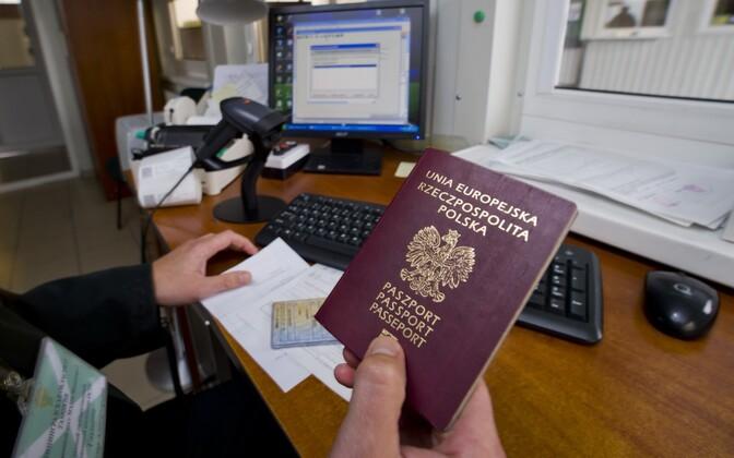 Poola pass.
