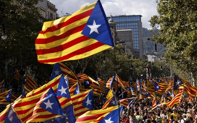 Catalonia pledges to hold referendum in defiance of Rajoy