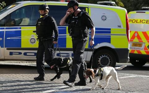 Полиция Лондона в районе станции метро
