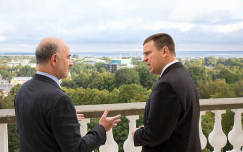 Commissioner Moscovici and Prime Minister Jüri Ratas in Tallinn on Friday. Sept. 15, 2017.