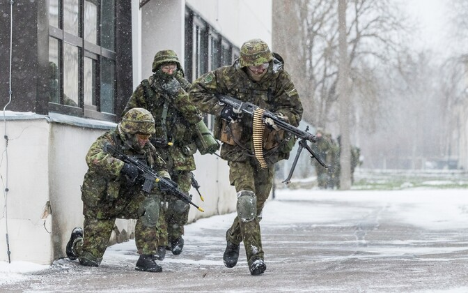 Members of the volunteer Defence League during a training exercise. In case of crisis or war, the level of preparation of the population is of decisive importance