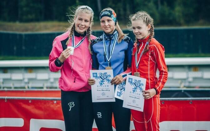 Annemarii Bendi, Triinu Hausenberg ja Carena Roomets