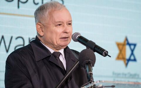 Jarosław Kaczyński tseremoonial holokausti ajal juute päästnud poolakate mälestuseks.