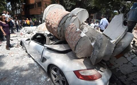 Maavärina purustused Mexico Citys.