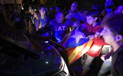 Katalaanidest meeleavaldajad iseseisvusreferendumi eel