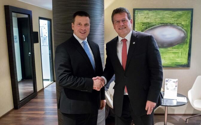 Prime Minister Jüri Ratas (Center) and Vice-President of the European Commission Maroš Šefčovič in Tallinn on Tuesday. Sept. 19, 2017.