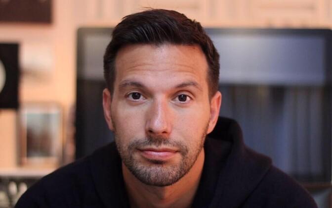Alex Papaconstantinou
