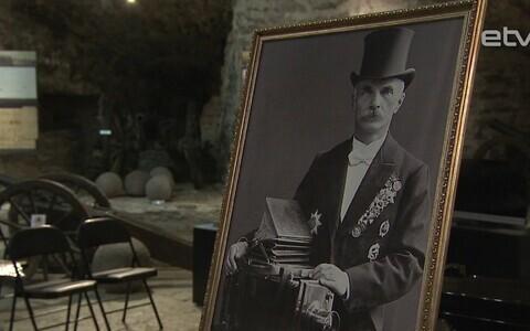 Выставка фотографий Карла Буллы.
