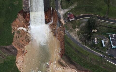 Orkaan Maria tagajärjel kahjustada saanud Guajataca tamm.